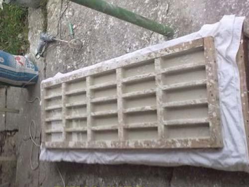 Декорирование стен изготовленной своими руками гипсовой плиткой под кирпич